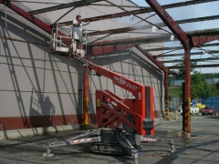 Cleaning of steel structures
