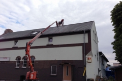 Cleaning of tin roofs
