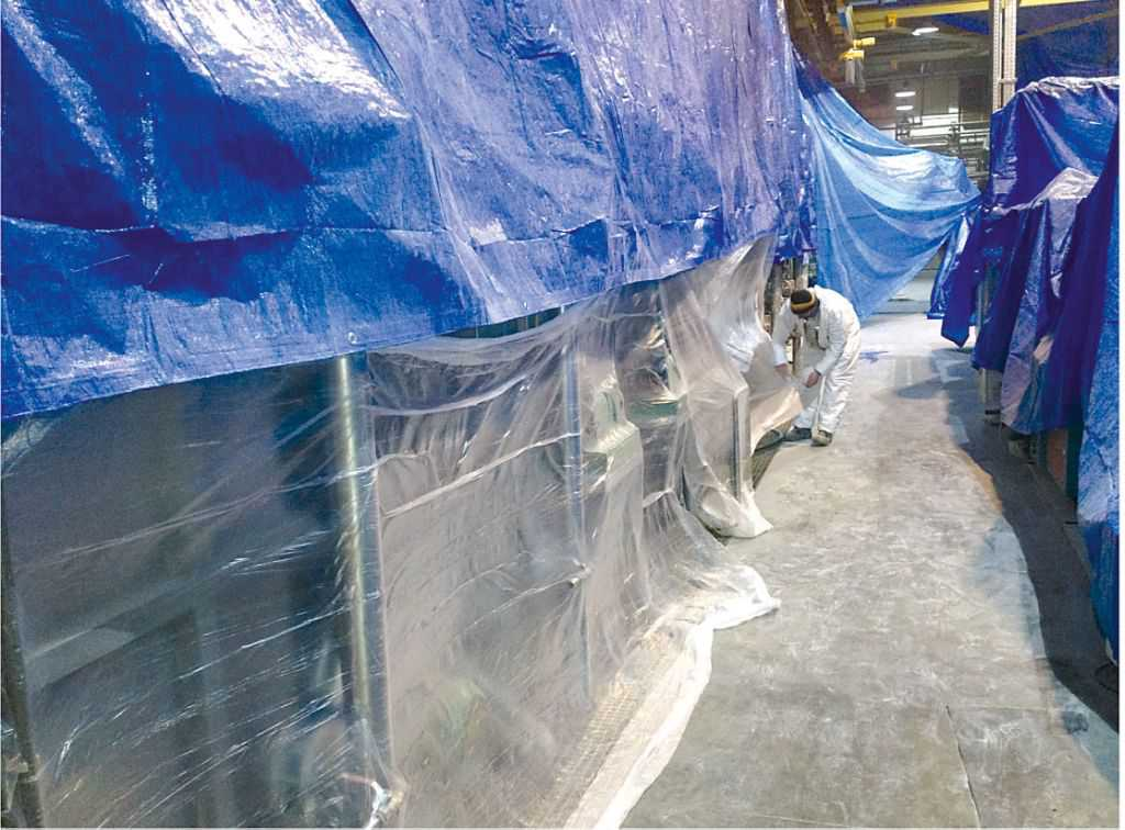Painting in production halls