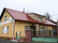 Stav po realizaci zakázky - Údržba střechy domu ( Středočeský kraj okres Beroun)