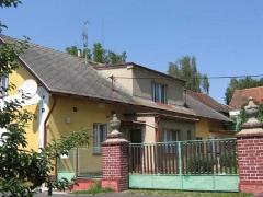 Stav před realizací zakázky - Údržba střechy domu ( Středočeský kraj okres Beroun)