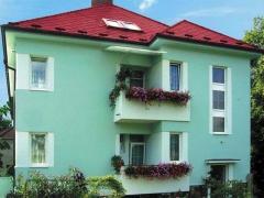 Stav po realizaci zakázky - Nátěr fasády, eternitové krytiny a žlabů rodinného domu ( Plzeňský kraj okres Rokycany)