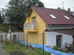 Nátěr fasádní akrylátové barvy STO ( Karlovarský kraj okres Karlovy Vary)
