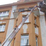 Ošetření fasády z pracovní plošiny ( Středočeský kraj okres Praha-západ)