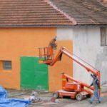 Penetrace fasády a následný nástřik fasádní barvy STO ( Plzeňský kraj okres Klatovy)