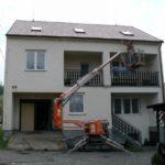 Nátěr okapních žlabů a dřevěného podbití ( Středočeský kraj okres Praha-západ)