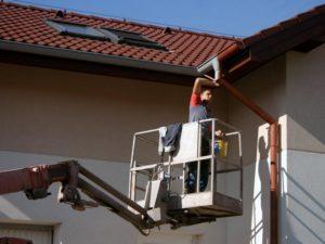 Drobné opravy klempířských prvků z pracovní plošiny ( Plzeňský kraj okres Plzeň-sever)